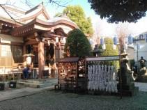 本社近くの白髭神社