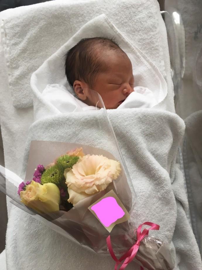 出産時のお祝いの花束です